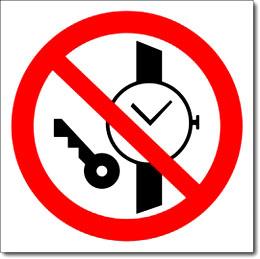"""Знак """"Запрещается иметь при себе металлические предметы"""""""